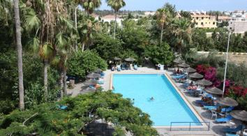 Получите удовольствие от удивительной природы Пафоса и гостеприимного Кипра!